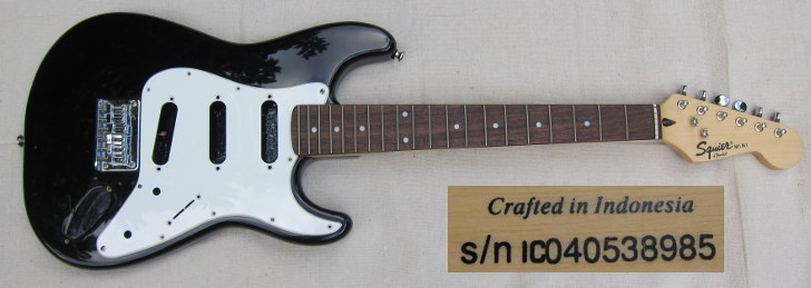 squier mini strat IC040538985