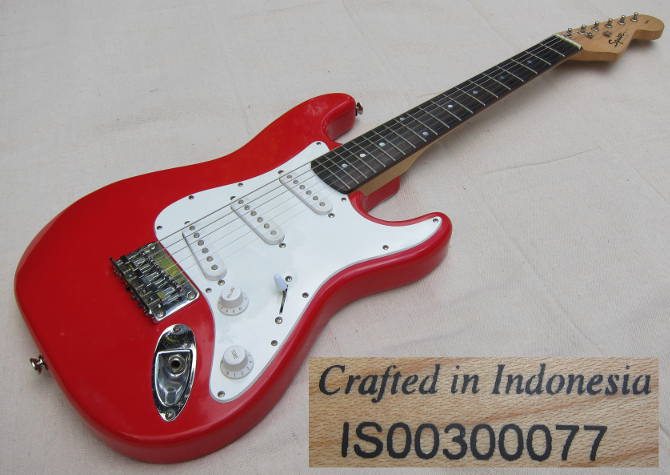 squier mini strat IS00300077